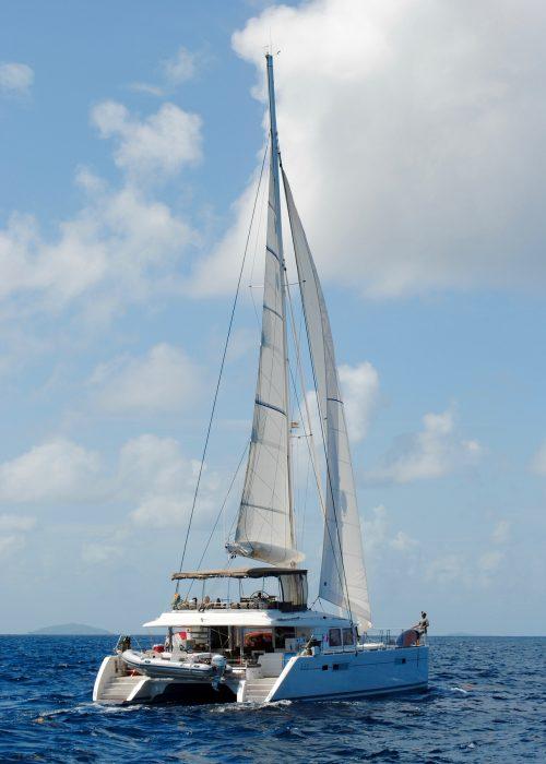 catamaran-1620299_1920